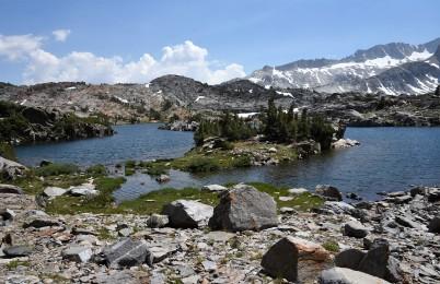 twenty-lakes-basin-trail-2
