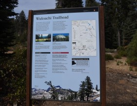 wuksachi-trailhead-sign