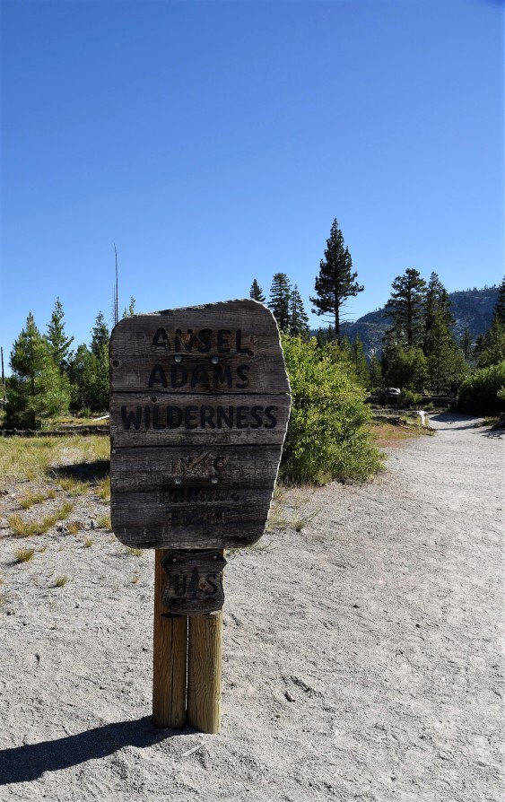 ansel-adams-wilderness-sign-at-rainbow-falls