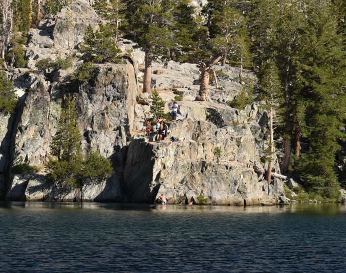 arrowhead-lake-guys-jumping-from-cliff