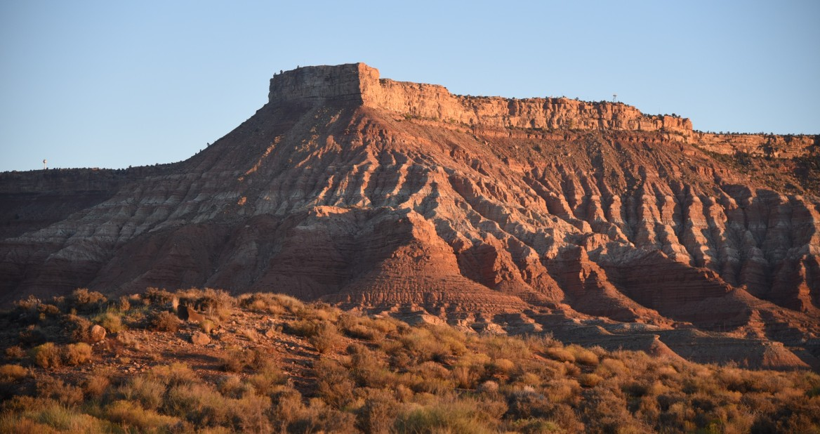 boondocking spot view of cliff.jpg