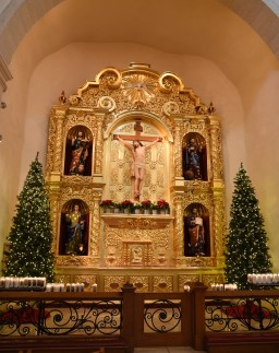 altar-at-san-fernando-cathedral