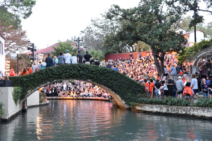 pep-rally-at-arneson-river-theatre-for-oklahoma-state
