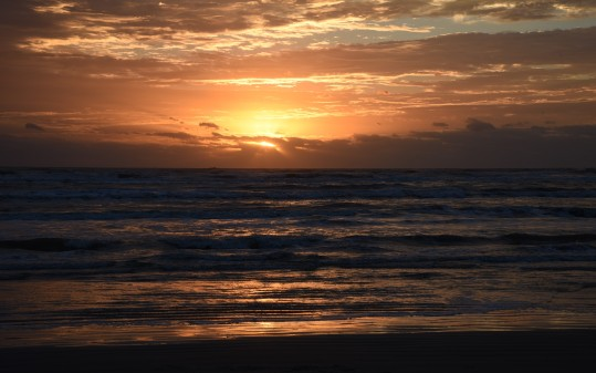 sunrise-on-gulf-beach-at-padre-island-2