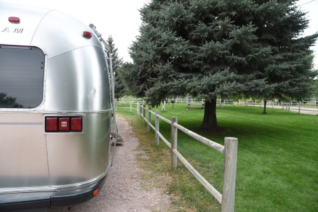 RV's can park anywhere along side the u-shaped gravel road.