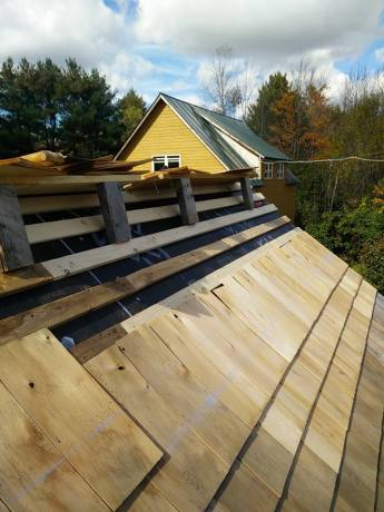 Finishing garden shed roof