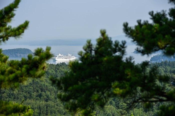 Champlain cruise ship (1 of 1)